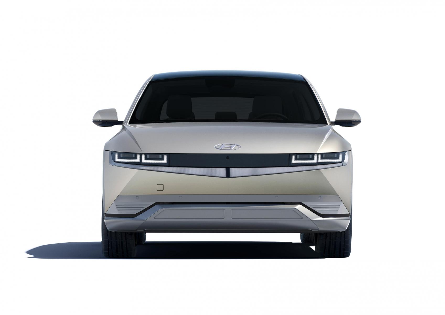 Hyundai IONIQ 5 переосмислює спосіб життя з електричною мобільністю | БУГ АВТО - фото 11